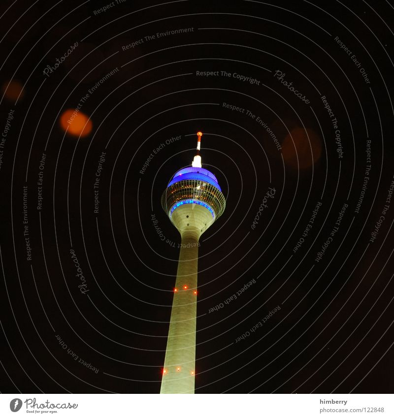 radiotowercase Rheinturm Lifestyle Night life Transmit Transmitting station Modern Landmark Monument Long exposure Duesseldorf Rhine Berlin TV Tower Evening