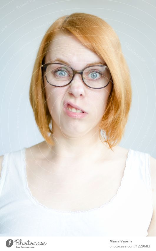 Monday face Human being Feminine Young woman Youth (Young adults) 1 18 - 30 years Adults T-shirt Eyeglasses Red-haired Long-haired Authentic Exceptional