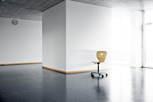 single chair Office Empty Clean Light Sunlight Sunbeam Clock Wall (building) Window Dance floor Architecture Room Work and employment high school white bright