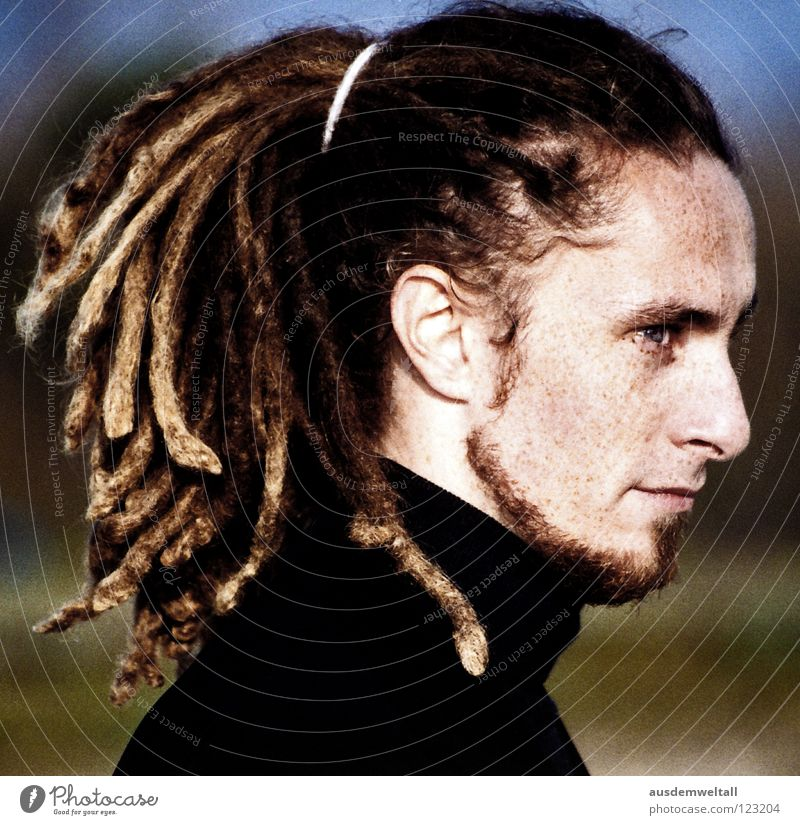 ::Sideways:: Analog Masculine Portrait photograph Emotions Dreadlocks Long Braids Freckles Intensive Black Roll-necked sweater Green Human being color Scan