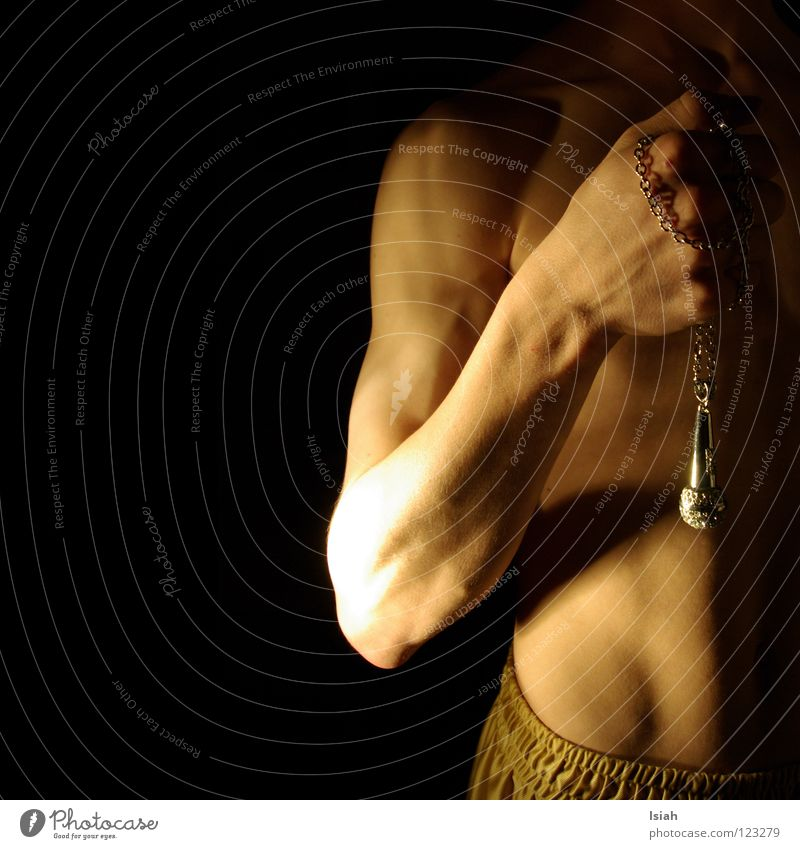 gibmer äs mic Microphone 50 Upper body Light Jewellery Hand Fist Dark Black Concert Music Stomach Skin Chain isiah Arm Musculature well, it goes like this