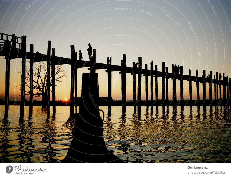 Water Wood Lake Watercraft Bridge Asia Navigation Dusk Pole Myanmar Teak Mandalay Wooden bridge Figure-head