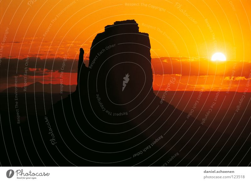 Sky Sun Red Vacation & Travel Calm Black Clouds Loneliness Yellow Colour Moody Brown Orange Background picture Horizon Rock