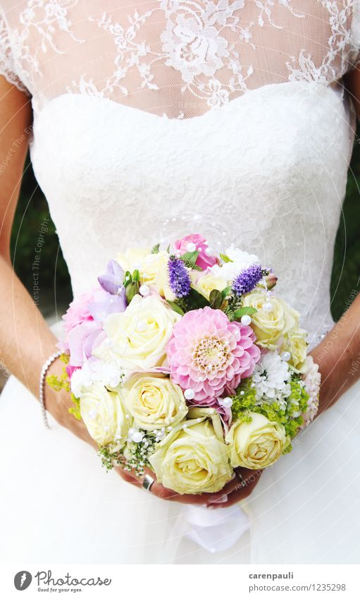 bridal bouquet Wedding Feminine 1 Human being Flower Rose Dress Blossoming Feasts & Celebrations Love Elegant Beautiful Thin White Happy Contentment Agreed
