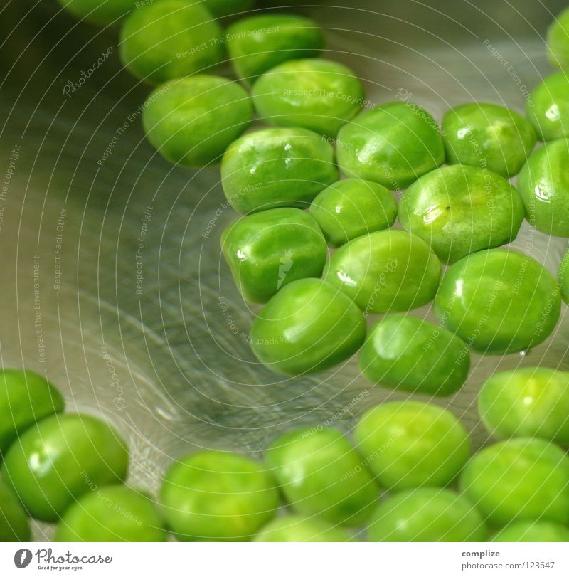 boring peas! Cooking Kitchen Pot Green Healthy Eating Do the dishes Organic produce Vegetable Peas Water Nutrition Metal Clean boiling water professional cook