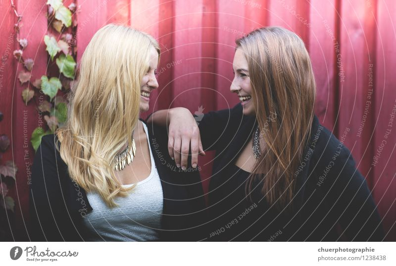 S m i l e Joy Happy Hair and hairstyles Face Human being Feminine Woman Adults Friendship Couple Life 2 18 - 30 years Youth (Young adults) Brunette Blonde