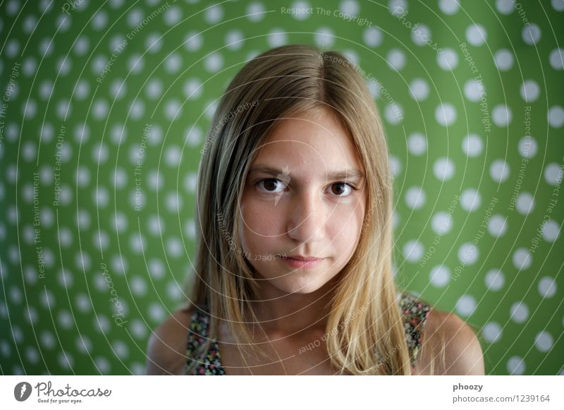dotted 2 Elegant Style Happy Hair and hairstyles Face Healthy Feminine Girl Head Eyes 1 Human being Part Contentment Uniqueness Optimism Power Dream