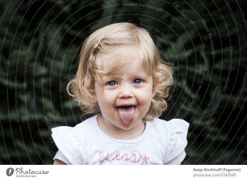 Human being Child Beautiful Green Girl Feminine Funny Small Toddler 1 - 3 years