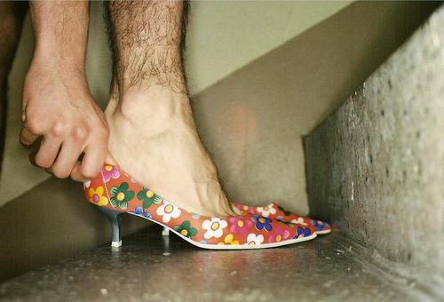 hoes Footwear Man Feminine Hallway Hand Homosexual Feet Stairs fitting Gender Multicoloured Small Pattern Legs Black Landing Be suitable Attempt Men's leg
