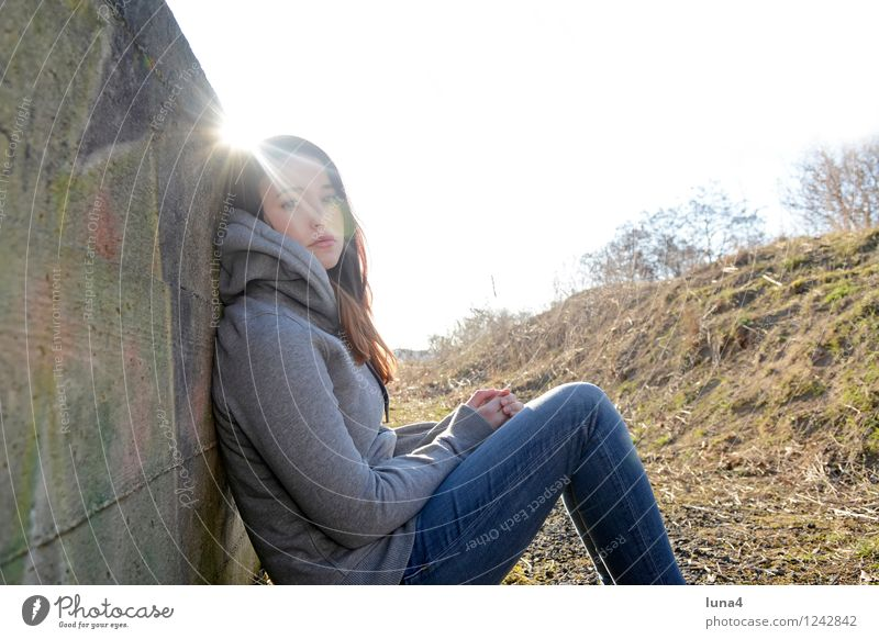 young woman is bored Lifestyle Human being Feminine Young woman Youth (Young adults) Woman Adults 1 18 - 30 years Sadness Cool (slang) Gray Concern Grief