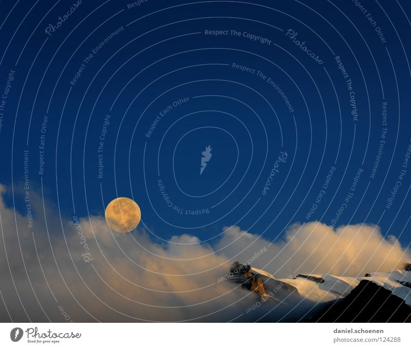 full moon Full  moon Sunset Peak Glacier Cirrus Climate change Switzerland Bernese Oberland Hiking Mountaineering Leisure and hobbies Endurance White Clouds
