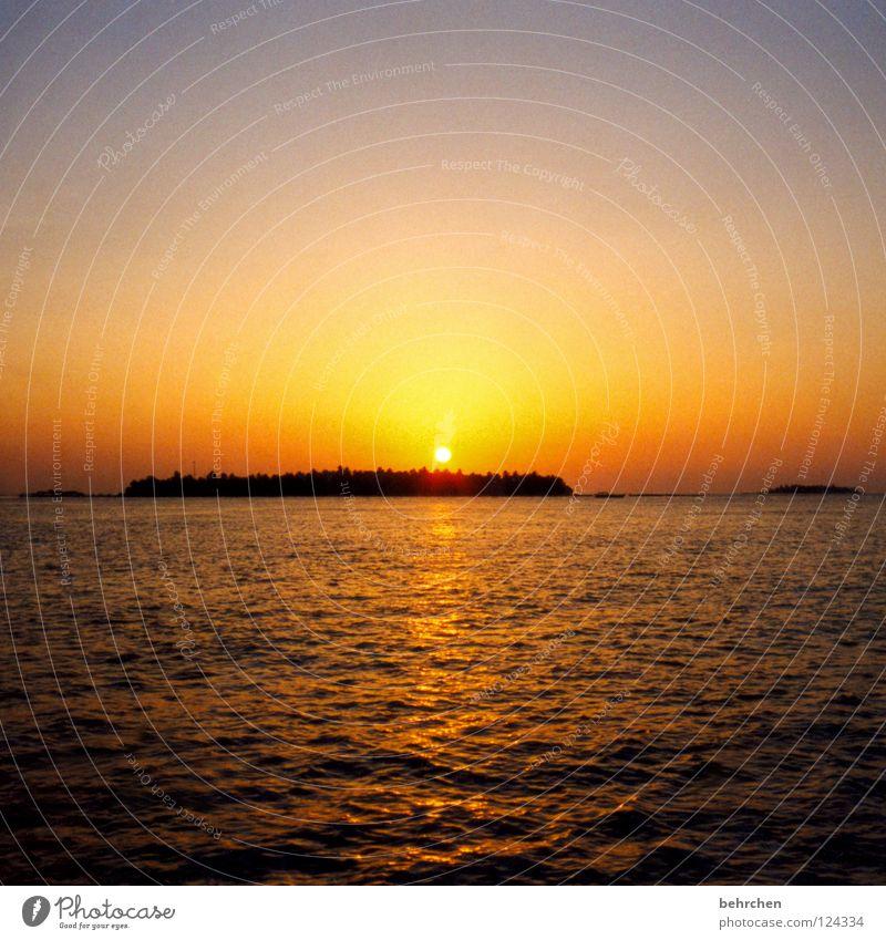 Water Sky Sun Ocean Vacation & Travel Calm Dream Orange Waves Island Romance Asia Sunset To enjoy Wanderlust Dusk