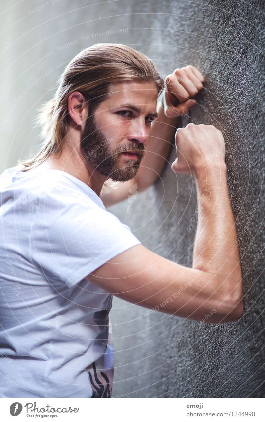 wall Masculine Young man Youth (Young adults) Adults 1 Human being 18 - 30 years Long-haired Beard Cool (slang) Hip & trendy Beautiful Uniqueness Muscular