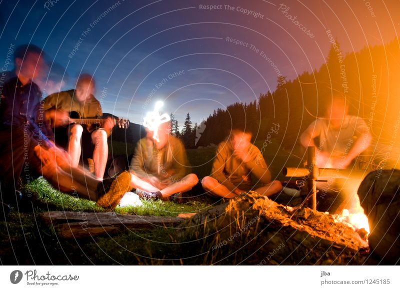 Campfire 3 Contentment Relaxation Leisure and hobbies Freedom Summer Mountain Fireplace Camp fire atmosphere Human being Masculine Youth (Young adults) Group