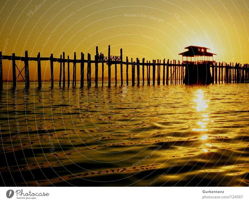 Water Sun Wood Lake Gold Bridge Asia Back-light Furrow Dusk Pole Myanmar Celestial bodies and the universe Teak Mandalay Wooden bridge
