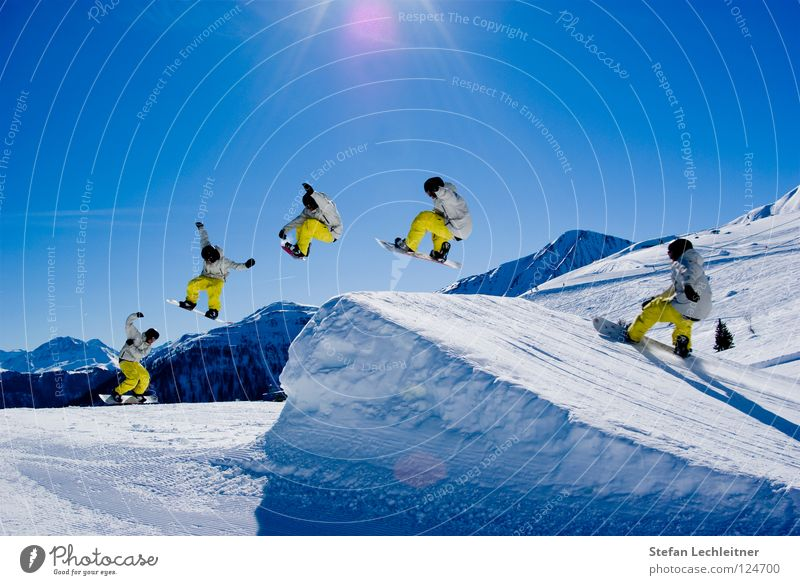 Beautiful Sun Joy Winter Mountain Snow Style Background picture Freedom Flying Jump Leisure and hobbies Large Tall Speed Shows