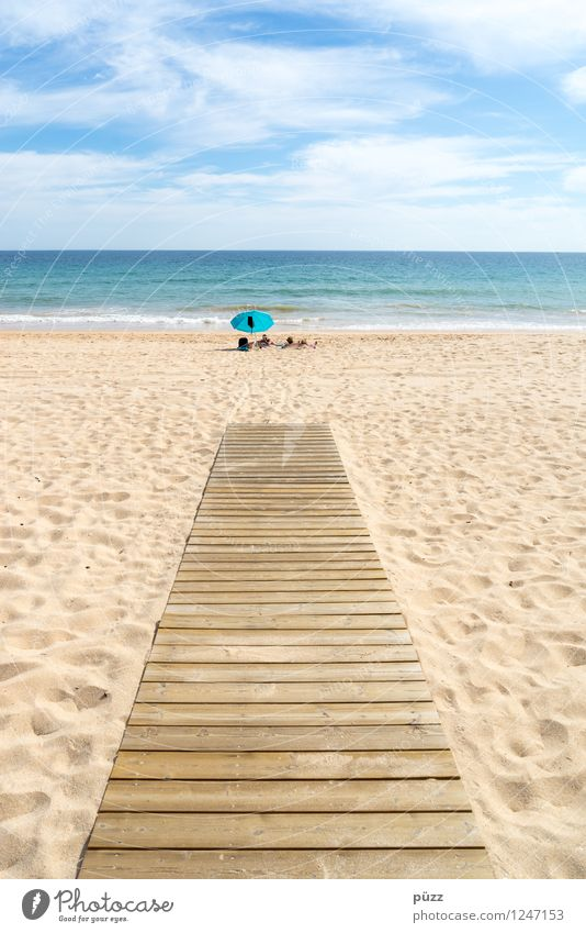 Sky Nature Vacation & Travel Blue Summer Sun Relaxation Ocean Landscape Calm Far-off places Beach Warmth Freedom Swimming & Bathing Sand