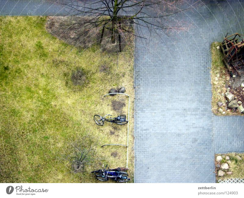 COMPETITION Bird's-eye view Backyard Courtyard greenery Green Meadow Surface Outline Treptow Detail Earth Lawn green to go Lanes & trails Review mobile stand