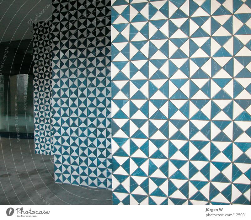 White Blue House (Residential Structure) Wall (building) Wall (barrier) Architecture Tile Meticulous