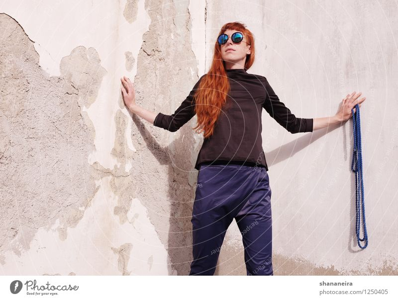 rope I Human being Feminine Young woman Youth (Young adults) 1 Wall (barrier) Wall (building) Red-haired Fashion Rope Model Sunglasses Exterior shot