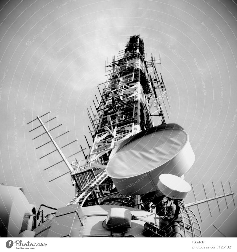 Lighting Communicate Television Telecommunications Radio (broadcasting) Electricity pylon Black & white photo Antenna Television tower Surveillance Spy Transmit