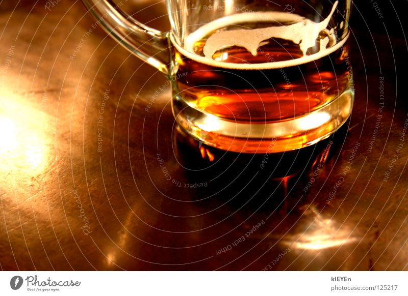Joy Relaxation Wood Glass Table Beer Alcoholic drinks Foam Closing time