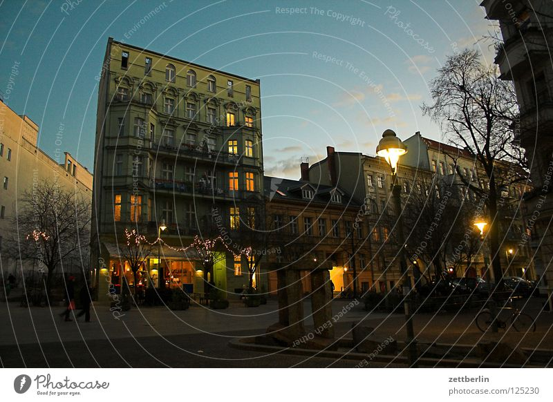 City House (Residential Structure) Berlin Window Group Lighting Facade Places Living or residing Gastronomy Café Traffic infrastructure Society Downtown