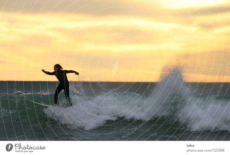 SUNRISE SURF I New Zealand South Island Surfer Surfboard Jump Aquatics p.b. waves breaking sea exciting Cool (slang) fun watching sunrise early in the morning