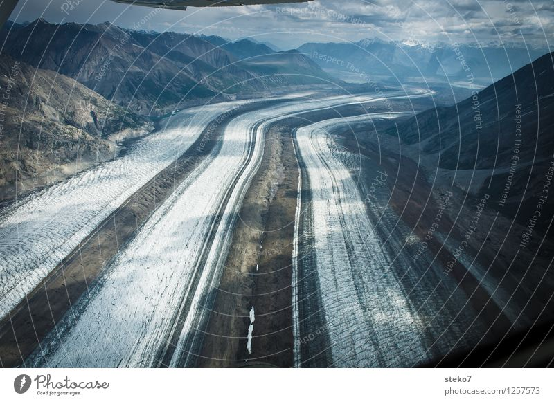 Glacier Highway II Mountain Flying Large Infinity Cold Movement Loneliness Uniqueness Symmetry Lanes & trails Far-off places Yukon Territory