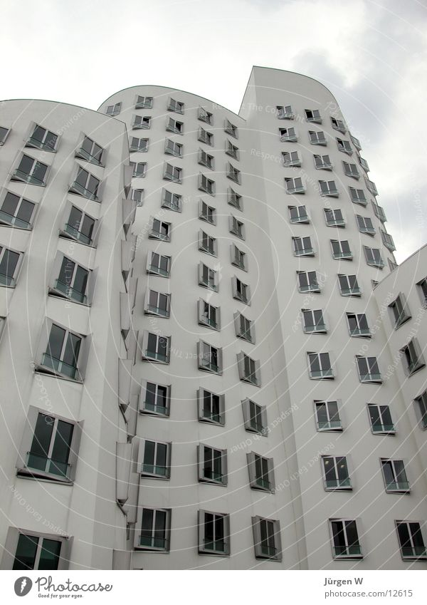 Gehry buildings, Düsseldorf House (Residential Structure) White Architecture new yard Duesseldorf window Tall high