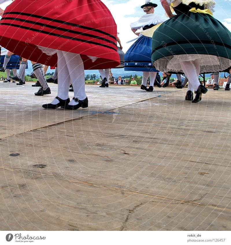 Rock ´n Roll or humming top II Bavaria Traditional costume Dance floor Costume Folklore music Rotation Tuft of chamois hair Rieden Allgäu Blouse Rotate Beat