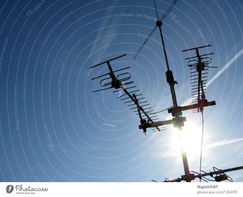 clear data reception Antenna Beautiful Summer Sun Television Radio technology Radio waves Vapor trail Stripe Light Media Radio (broadcasting) Sky Blue Blue sky