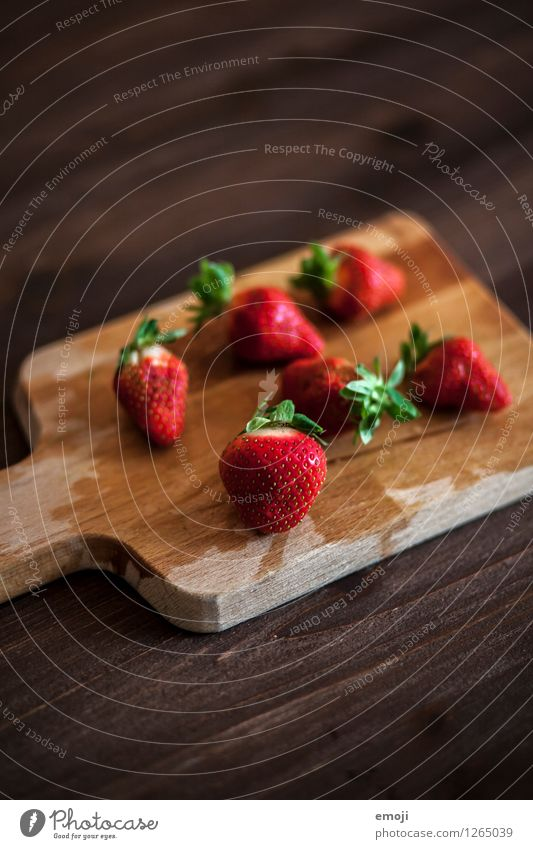 Juicy Fruit Strawberry Nutrition Picnic Organic produce Vegetarian diet Finger food Chopping board Wooden board Fresh Delicious Natural Sweet Brown Red