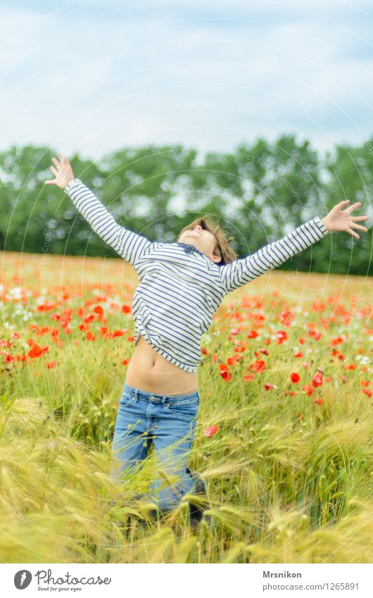 yeah Child Girl Infancy Youth (Young adults) Life 1 Human being 8 - 13 years Scream Jump Portrait of a young girl Poppy field Poppy blossom Field Crops Happy