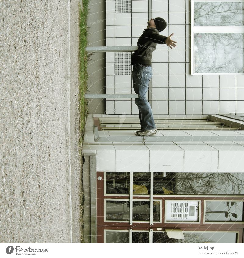 titanic star Man Silhouette Thief Criminal Ramp Loading ramp Pedestrian Shaft Tunnel Subsoil Outbreak Escape Tumble down Window Parking garage Geometry