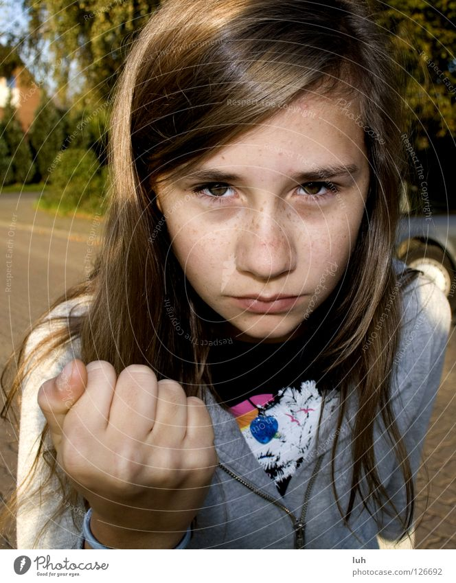 I like you, really! Child Girl Youth (Young adults) Eyes Hand Street Fight Threat Strong Sweet Anger Emotions Compassion Fear Dangerous Aggravation Grouchy