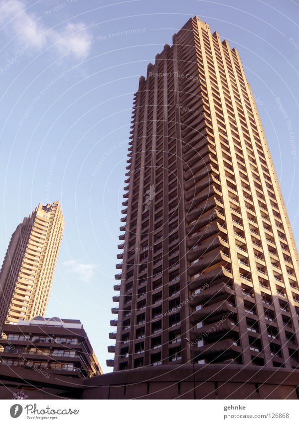Barbican Centre London High-rise Sixties Old-school Concrete Light Prefab construction Architecture Historic barbican Cool (slang) Structures and shapes