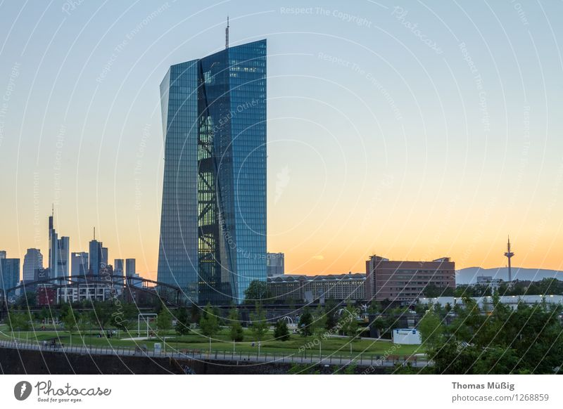 City Architecture Horizon Business High-rise Esthetic Skyline Bank building Downtown Tourist Attraction Frankfurt Financial Industry European Central Bank