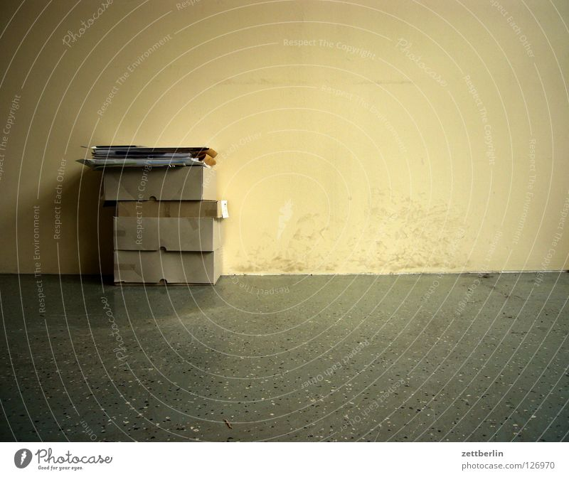 Wall (building) Room Corner Trash Document Moving (to change residence) Craft (trade) Cardboard Carton Cardboard box Wastepaper
