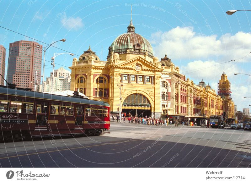 Melbourne Railway Station Exterior shot Day Vacation & Travel Town Downtown House (Residential Structure) Places Train station Manmade structures