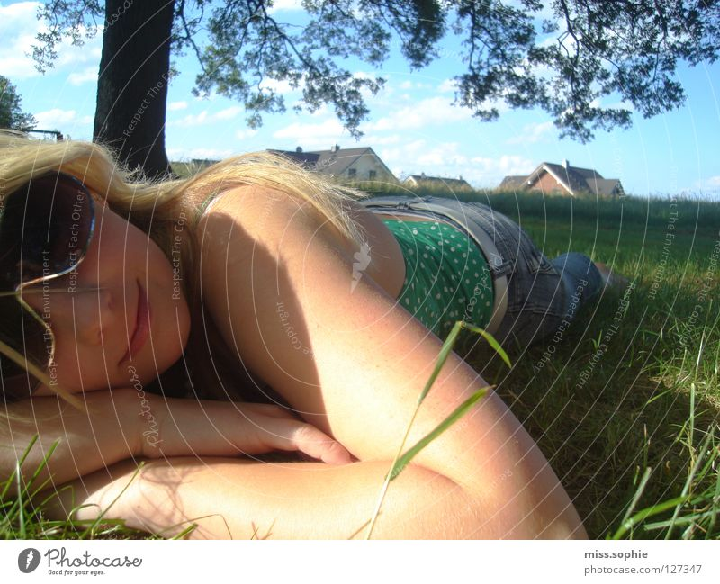 Youth (Young adults) Tree Sun Green Summer Calm Relaxation Meadow Grass Contentment Human being Blade of grass Sunglasses