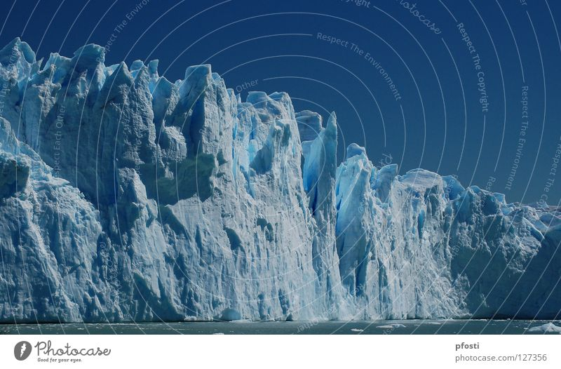 Bellísimo coloso Glacier Waves Cervasse Cold Winter Damp Eternity Wilderness Dangerous Geology Argentina Perito Moreno Glacier Vacation & Travel Melt Growth