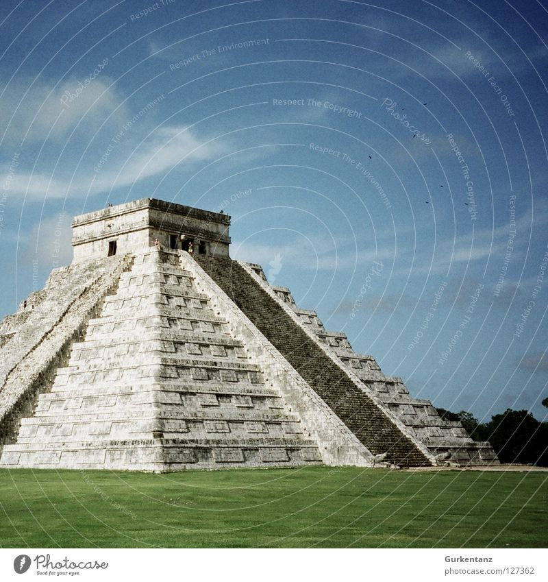Old Sky Green Stone Lawn Yucatan Monument Landmark Mexico Steep Temple Pyramid Native Americans House of worship