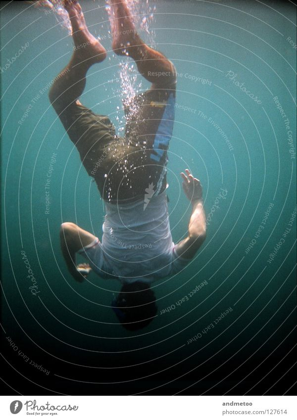 Man Water Ocean Summer Head Lake Waves Swimming & Bathing Underwater photo Swimming pool Dive Navigation Turquoise Air bubble In transit Aquatics