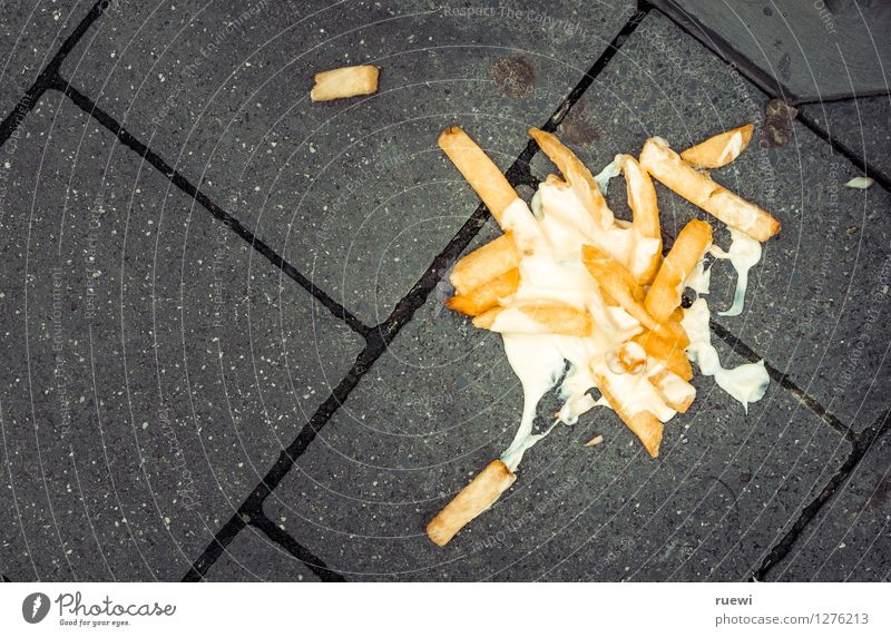 street food Food French fries Mayonnaise Lunch Fast food Finger food Healthy Eating Lunch hour Sidewalk Stone Concrete Diet Trashy Under Yellow Gray Adversity