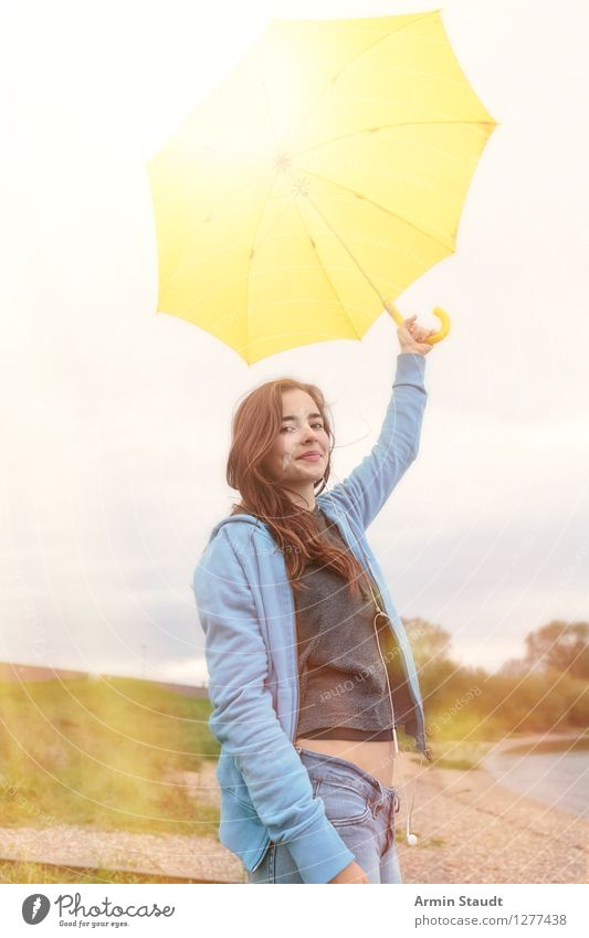 parasol Lifestyle Style Beautiful Contentment Human being Feminine Young woman Youth (Young adults) Woman Adults 1 13 - 18 years Nature Weather Uniqueness