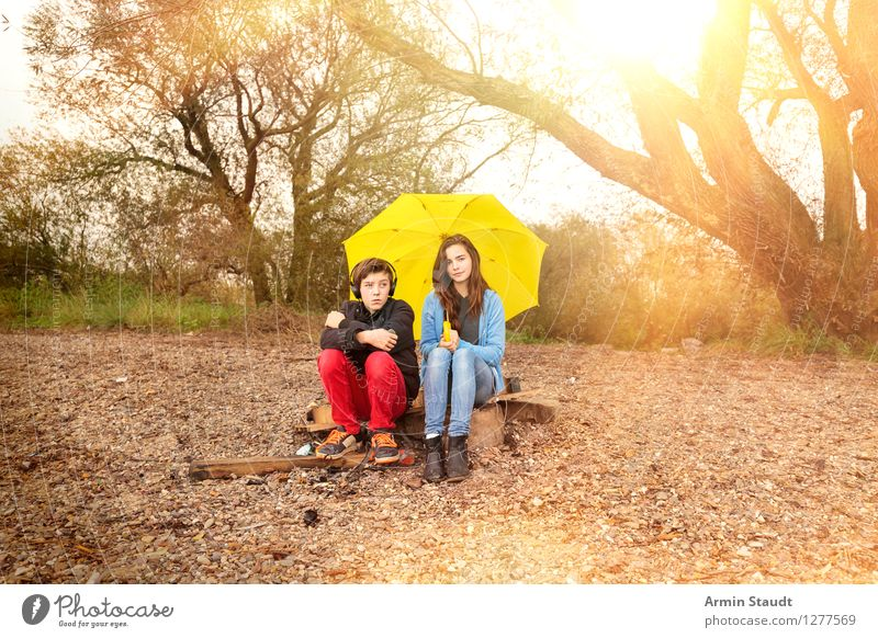 umbrella association Lifestyle Joy Harmonious Vacation & Travel Tourism Music Human being Young woman Youth (Young adults) Young man Brothers and sisters Couple