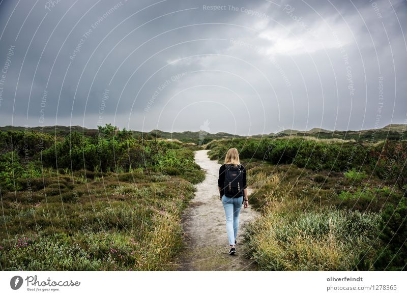 Sylt IV Vacation & Travel Trip Adventure Far-off places Freedom Expedition Feminine Young woman Youth (Young adults) 1 Human being 18 - 30 years Adults