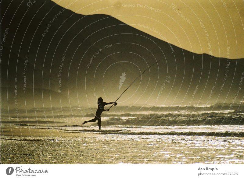 ballerienas go fishing! Angler Fuerteventura Evening Ocean Waves Back-light Analog Europe playa de cofete