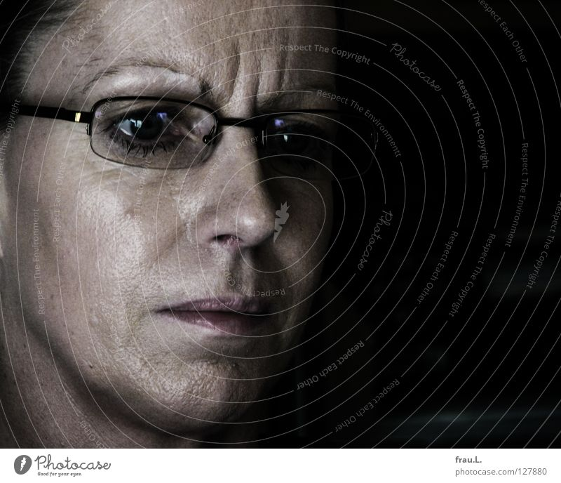concentration Woman Work and employment Skeptical Screen Concentrate Eyeglasses Glittering Portrait photograph Clerk Earnest Sensitive Human being Fatigue
